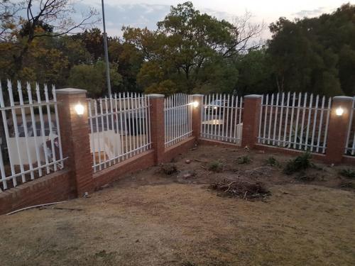 Boundary wall in Sunninghill Johannesburg14